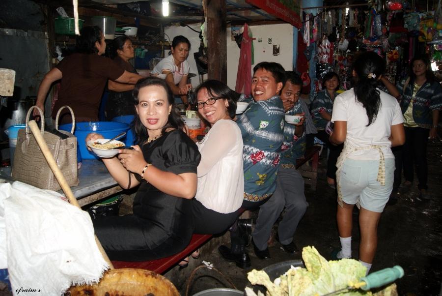 Reuni tak Terjadwal: Mie MakRiang